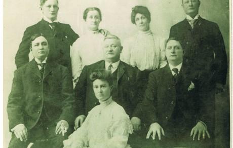 Worcester Irish Family c.1900